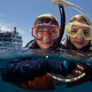 children-snorkeling-on-reef-1260x700-1521083658